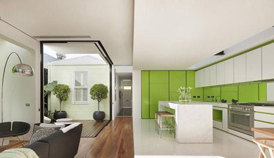 طراحی خانه ی مکعبی: سفید و شفاف