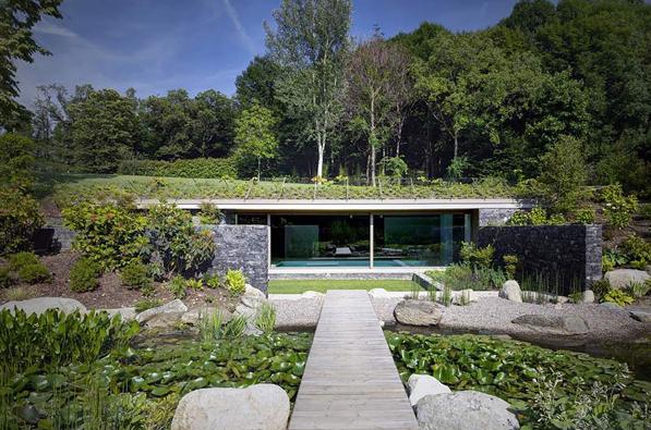 طراحی و معماری استخر شنای Roccolo (اضافه شدن استخر به خانه ای قدیمی)
