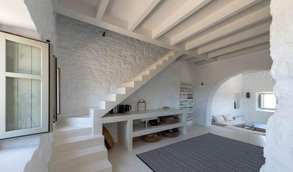 بازسازی ساختمان مسکونی مربوط به قرن ۱۷ با رویکرد مدرن
