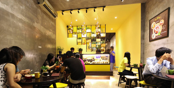 بازسازی و طراحی مجدد مغازه بستنی فروشی، ویتنام